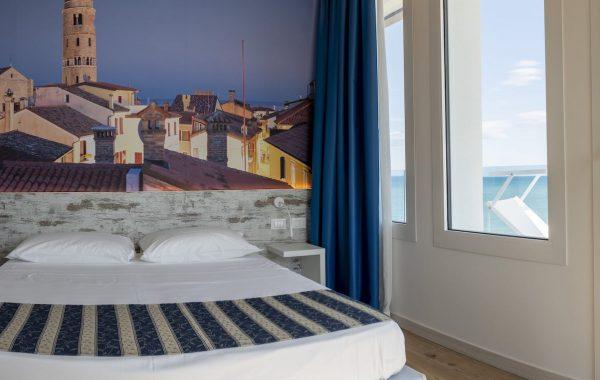 Scirocco classic sea front triple room
