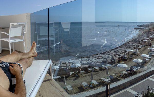Superior sea view triple room
